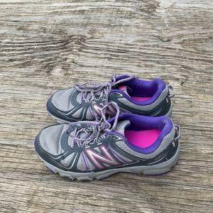 Shoes - Women's New Balance Shoes All Terrain 412